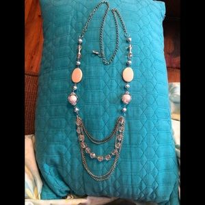 PRETTY LONG NECKLACE!